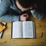 Læs Bibelen umiddelbart og metodisk